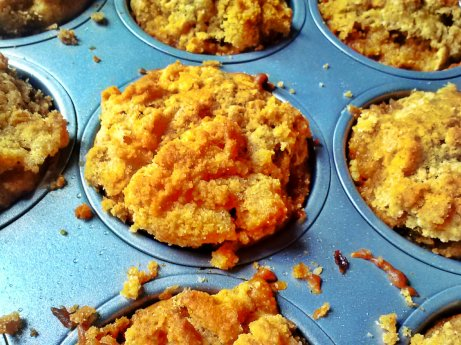 Apple Muffins with Graham Cracker Streusel